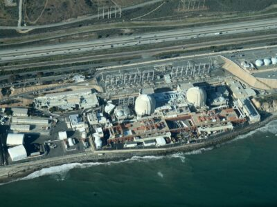 Aerial view of the San Onofre Nuclear Generating Station in San Diego County, California, May 26, 2012. Source: Wikimedia Commons