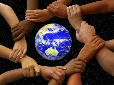 hands_around_the_earth